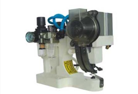 Masina pneumatica de batut capse, 1 forma (buton automat de incarcare doar pentru capse rotunde) SENIORTEX